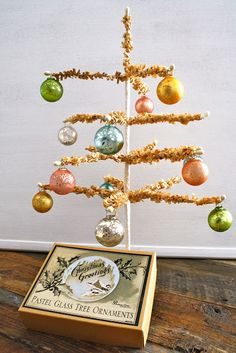 The Holidays Are Coming! Vintage inspired christmas decorations.