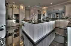 Best 1744 Best Luxury Kitchens Images In 2020 Luxury Kitchens 400 x 300