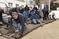 Medewerkers Woonbedrijf steken handen uit de mouwen voor GGzE http://www.woonbedrijfinbeeld.com/index.php/portfolio/medewerkers-woonbedrijf-steken-handen-uit-de-mouwen-voor-ggze #Woonbedrijf