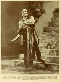 Douglas Fairbanks Golden Age Of Hollywood, Old Hollywood, Douglas Fairbanks, Silent Film, Classic Films, Screenwriting, Prince Charming, American Actors, Old Friends