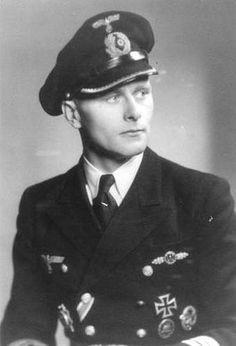 U-Boats ~ Kapitänleutnant Jürgen Ebert, Commandant du U-Boot U-927.~ BFD