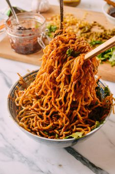 Hot Dry Noodles (Re Gan Mian, 热干面) recipe by The Woks of Life Gourmet Recipes, Asian Recipes, Vegetarian Recipes, Dinner Recipes, Cooking Recipes, Healthy Recipes, Ethnic Recipes, Vegetarian Cookbook, Spicy Recipes