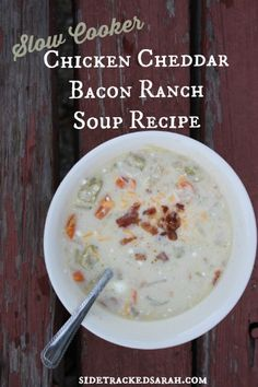 The most delicious soup recipe ever! It's like a potato soup but better! Cheesy, with veggies and bacon! Crock Pot Slow Cooker, Slow Cooker Recipes, Crockpot Recipes, Best Dinner Recipes, Delicious Recipes, Ranch Recipe, Healthy Freezer Meals, Bacon Soup, Soup And Sandwich