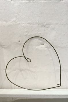 Wire heart....could I make it from a coat hanger?