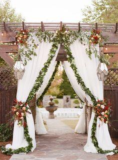 wedding ceremony setup - photo by Alisha Crossley Photography http://ruffledblog.com/southern-charm-meets-modern-glam-for-this-wedding