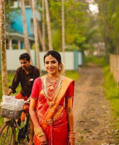 Kerala Bride, South Indian Bride, Indian Bridal, Saree Jewellery, Diamond Jewellery, Gold Jewelry, Saree Wedding, Wedding Bride, Monica Bellucci Photo