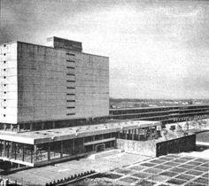 Biblioteca Central durante la construcción, Ciudad Universitaria (UNAM), Ciudad de México 1954  Arqs. Juan O'Gorman, Juan Martínez de Velasco y Gustavo Saavedra -   Central Library during construction, Ciudad Universitaria (UNAM), Mexico City 1954