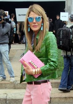 Check out all of the most awesome handbags in Anna Dello Russo's collection! Anna Dello Russo, Grunge Fashion, Boho Fashion, Womens Fashion, Winter Fashion Outfits, Autumn Winter Fashion, Stylish Older Women, Milan Fashion Weeks, London Fashion
