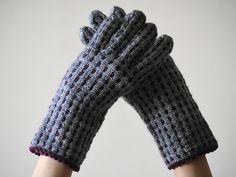 Ravelry: Dots Gloves pattern by Ayano Tanaka