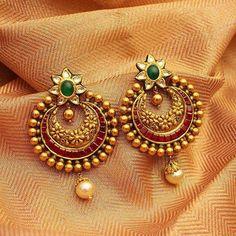 How To Gold Earrings gold antique kundan earrings designs, gold antique rrxluqq - Jewelry Amor Gold Jhumka Earrings, Indian Jewelry Earrings, Jewelry Design Earrings, Gold Earrings Designs, Antique Earrings, Designer Earrings, Bridal Jewelry, Jhumka Designs, Fancy Earrings
