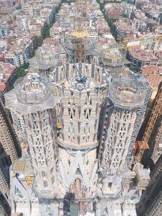BARCELONA | la Sagrada Família | En construcció - Page 291 - SkyscraperCity Antoni Gaudi, Spanish Revival, Archipelago, Trip Planning, Istanbul, Skyscraper, City Photo, Spain, Places To Visit
