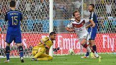 Der goldene Moment: Mario Götze bejubelt sein Tor in Minute 113