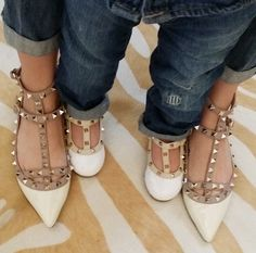 Valentinos Baby Pictures, Baby Photos, Aurora Fashion, Mommy And Me Photo Shoot, Fashion Shoes, Kids Fashion, Girl Themes, Valentino Shoes, My Princess