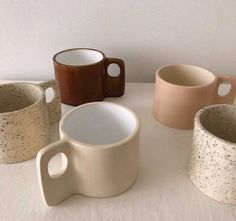 Pottery Mugs, Ceramic Pottery, Pottery Art, Ceramic Art, Ceramic Mugs, Keramik Design, Brown Aesthetic, Cute Mugs, Clay Crafts