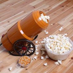 This stubby little Cannon Popcorn Maker makes popcorn using hot air circulation technology.