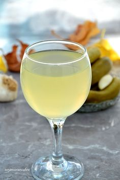 Erimeyen Sert Salatalık Turşusu Tarifi - Zeymuran Cafee Yemek Tarifleri Pickle Juice Recipe, White Wine, Pickles, Cucumber, Alcoholic Drinks, Food And Drink, Tasty, Canning, Recipes