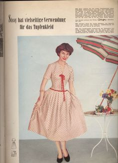 Such a pretty mid-50s warm weather dress! #vintage #1950s #dresses #fashion