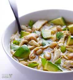5-Ingredient Easy White Chicken Chili Recipe -- all you need are few simple ingredients to create this delicious chicken chili recipe