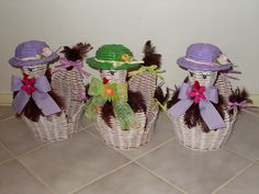 Diy And Crafts, Arts And Crafts, Paper Basket, Newspaper, Quilling, Weaving, Newspaper Art, Embellishments, Paper Flower Decor