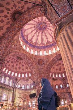 #diniresimler #islamiprofilresimleri Blue Mosque Istanbul, Istanbul City, Istanbul Travel, Istanbul Turki, Places To Travel, Places To Visit, Turkey Destinations, Budapest City, Grand Mosque