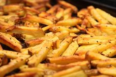 How to Make Oven Fries. French fries are a popular side dish that goes great with burgers and steak. Most french fries are fried in a deep fryer, but did you know that you can bake them in the oven as well? Baked french fries are typically. Oven French Fries, Best French Fries, Making French Fries, French Fries Recipe, Fries In The Oven, Comfort Foods, Raw Food Recipes, Healthy Recipes, Appetizers