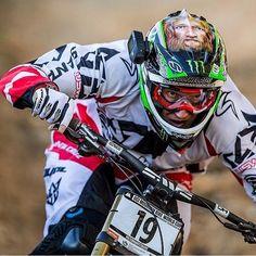Steve Peat en la pista con su #Drift Ghost-S en el UCI Mountain Bike World Cup! #Downhill & #LiveOutsideTheBox.