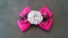 Pink Hairbow Plaid Hairbow Flower Hairbow por GloriaMillerCreation