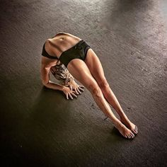 Yoga Exercise Images No debate can arise from Yoga Exercises or is questionable on just how powerful yoga can be. Yoga has proven t All Yoga Asanas, Yoga Asanas Images, Yoga Fitness, Pranayama, Yoga Inspiration, Yoga Wheel, Esprit Yoga, Chakra Yoga, Photo Yoga
