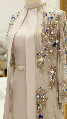 The perfect time for wedding season has almost arrived. We have enlisted here top 10 wedding dress styles Trending wedding dresses collection Pakistani Formal Dresses, Pakistani Dress Design, Pakistani Frocks, Shadi Dresses, Indian Anarkali, Pakistani Couture, Pakistani Outfits, Indian Dresses, Indian Outfits