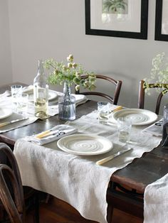 Smart! Turn runners the other direction for place mats that stretch across the table.