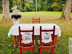 tabliczki na krzeslach nowej pary