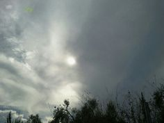 """""""...mi basta un'immersione nell'anima e vedo l'universo"""". (Alda Merini) #skylovers #myphoto #cielo #nuvole #anima  #universo"""