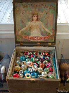 Vintage Recipe, Diet and Retro Lifestyle Blog by Averyl Hill. Because I'm Outdated By Design!: Vintage Christmas Decorations In My Sunroom