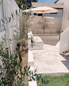 Outdoor Areas, Outdoor Rooms, Outdoor Living, Backyard Patio Designs, Backyard Landscaping, Tenerife, Outside Patio, Backyard Makeover, Exterior Design