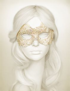 Cream Color Bridal Masquerade Mask With Various by SOFFITTA