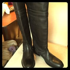 NEW Frye Melissa Trapunto Black Riding Boots, 7.5 Beautiful black soft leather.  Great riding boot, size 7.5 Frye Shoes Over the Knee Boots