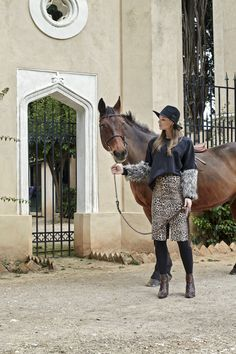 Winter Collection, Messenger Bag, Satchel, Bags, Fashion, Handbags, Moda, Fashion Styles, Fashion Illustrations