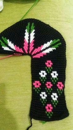 Tunisian Crochet, Winter Hats, Beanie, Socks, Fashion, Tricot, Tejidos, Blue Prints, Pattern