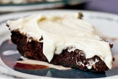 Как приготовить пирог брауни с сливочным кремом - рецепт, ингридиенты и фотографии