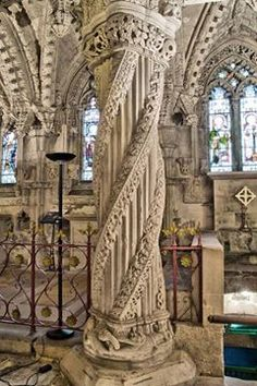 british isles Rosslyn Chapel, Scotland, famous for its supposedly Knight Templar symbols. Astrogeographical position: in the earth sign Virgo indicator here of preserving the icons and m Architecture Antique, Amazing Architecture, The Places Youll Go, Places To See, Beautiful Buildings, Beautiful Places, Sightseeing London, Rosslyn Chapel, Scottish Castles