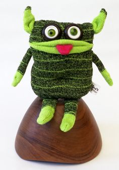 Crazy-eyed sock monster that will make everyone smile! Irresistibly cheeky with its chubby tushie, bellybutton and silly tongue! Monster Gloves, Sock Monster, Sock Toys, Sock Crafts, Sock Animals, Unique Crochet, Puppets, Monsters, I Am Awesome