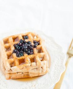 A delicious gluten free plant based waffle recipe made with oats and almond flour. Oil-free and kid-friendly.
