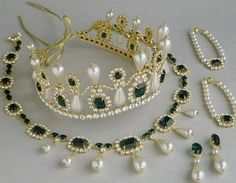 A set of pearls and emeralds of the Empress Josephine.