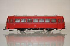 Alle Infos über den Schienenbus Märklin 3016, ein Modell des VT95 / 795 der DB. Der große Modelleisenbahn-Blog mit vielen Bildern und Videos.