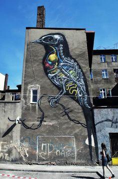 Mural ROA w Katowicach Bird anatomy Graffiti Art, Street Art Graffiti, Art Sculpture, Sculptures, Art Public, Urbane Kunst, Inspiration Art, Wow Art, Mural Art