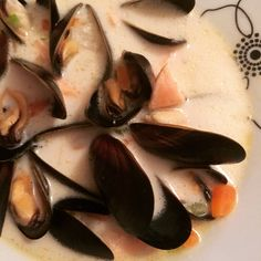 Blue mussels soup with salmon & coconut milk