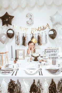 2018年のTOP10パーティーアルバムをお届け!キッズパーティーの「いま」はこれ | ARCH DAYS海外パーティーレポート ベビーシャワー ファーストバースデー バースデー キャラクターテーマ / PARTY | ARCH DAYS Boys First Birthday Party Ideas, Jungle Theme Birthday, Birthday Goals, 1st Birthday Decorations, 3rd Birthday Parties, Birthday Party Decorations, Harry Birthday, Boy Birthday, First Birthdays
