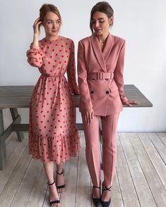 Fashion Mode, Modest Fashion, Look Fashion, Fashion Dresses, Womens Fashion, Fashion Design, Fashion Quiz, Formal Fashion, Fashion Days