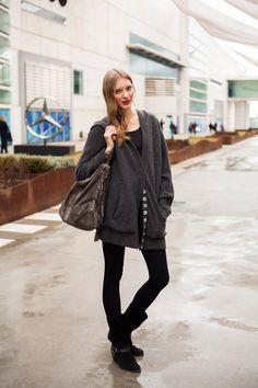 Todas las imágenes de street style en Mercedes Benz Fashion Week Madrid: Anja Kazakova