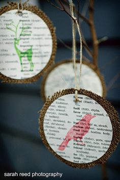 Newspaper page ornaments. How fun would it be to use a newspaper in another language?